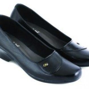 Sepatu pantofel wanita kulit