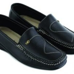 Sepatu casual wanita semi Formal