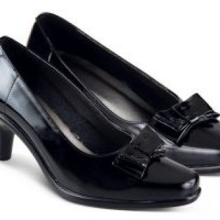Sepatu formal wanita