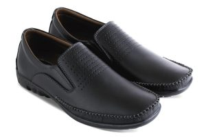 Sepatu casual pria