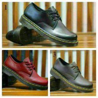Sepatu pria low boots