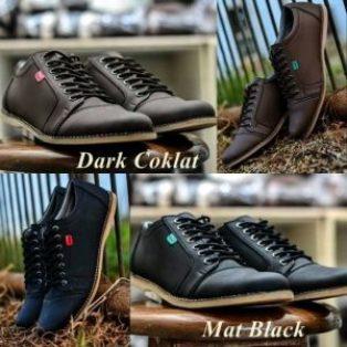Sepatu casual kickers santai
